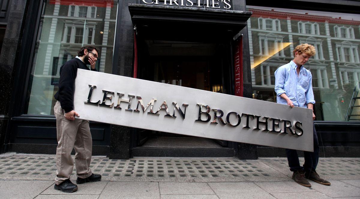 In Italia è stato vietato lo short selling, come successo dopo il crac Lehman Brothers